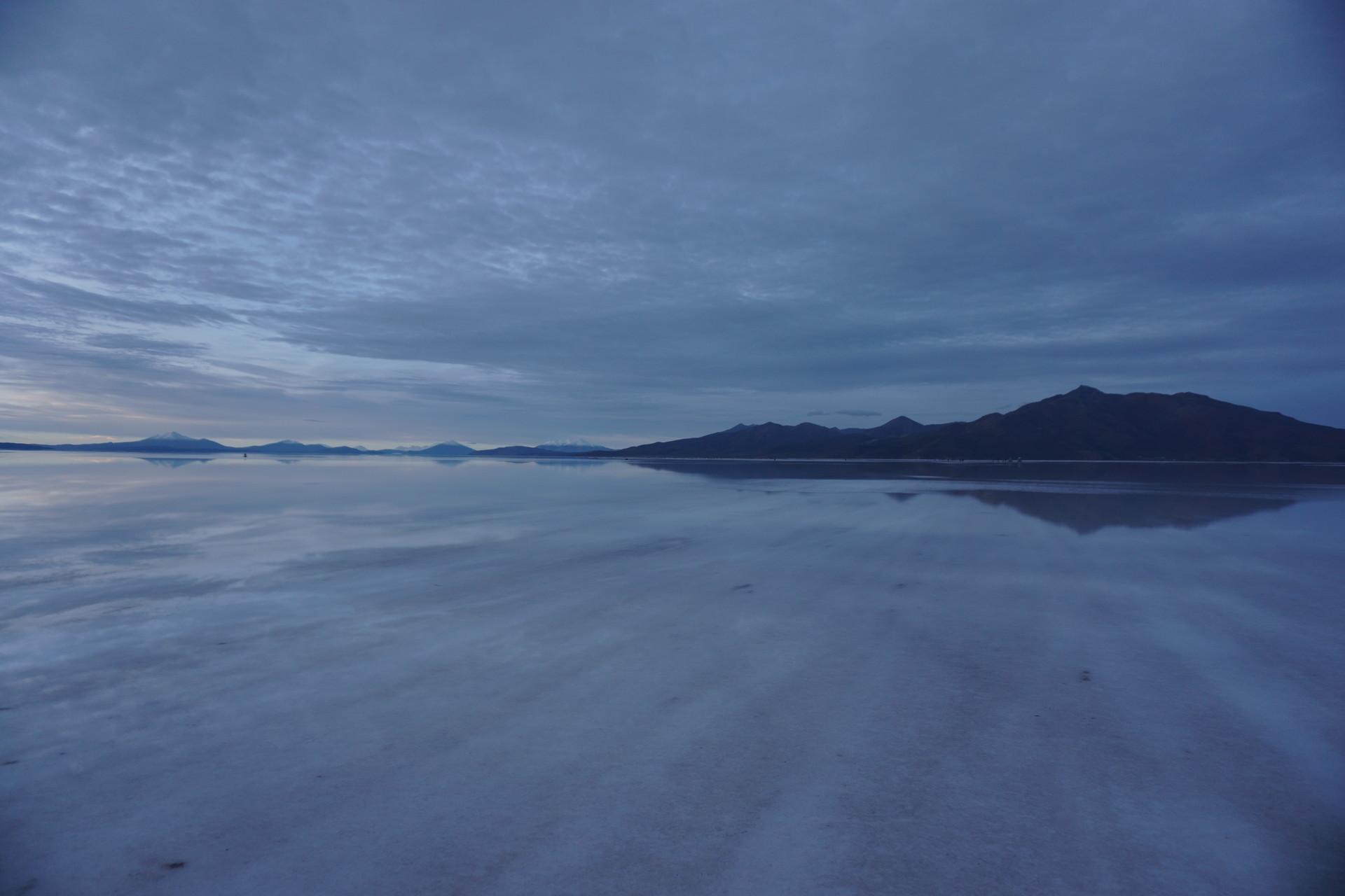 チリ ボリビア ウユニ旅行 2泊3日ツアー サンライズ 山々