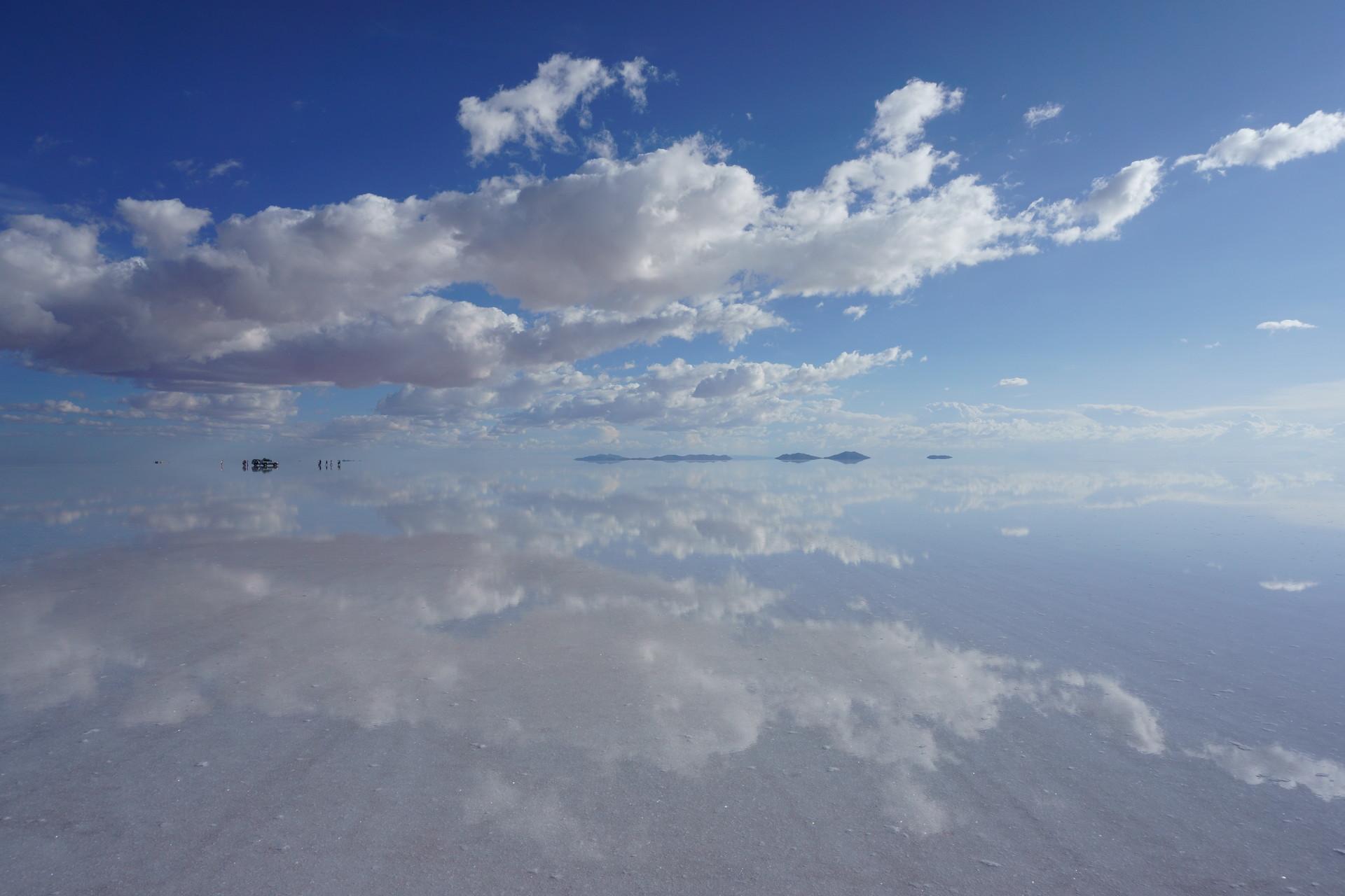 ボリビア ウユニ塩湖 サンセットサンライズ 青空