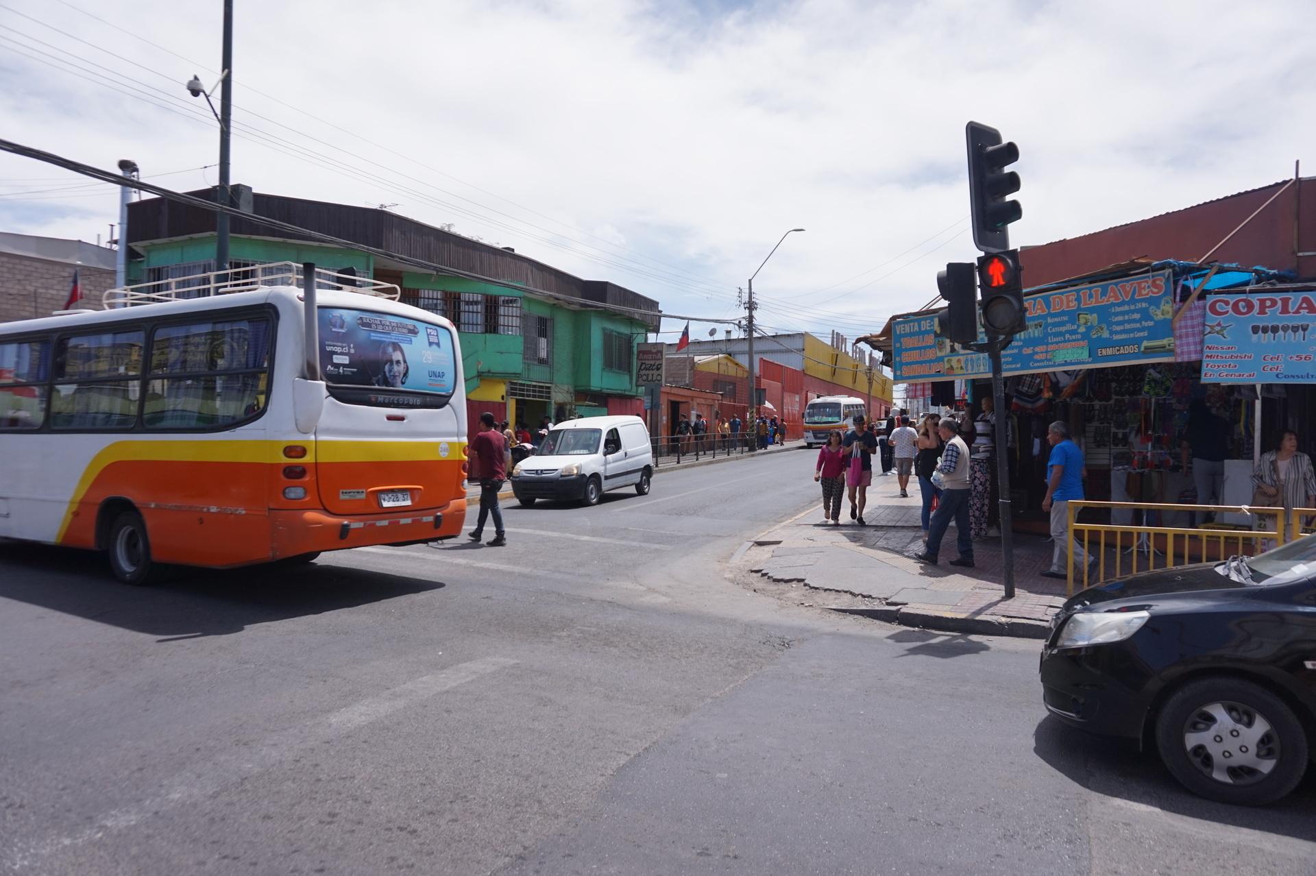 チリ ボリビア ウユニ旅行 カラマ 町並み