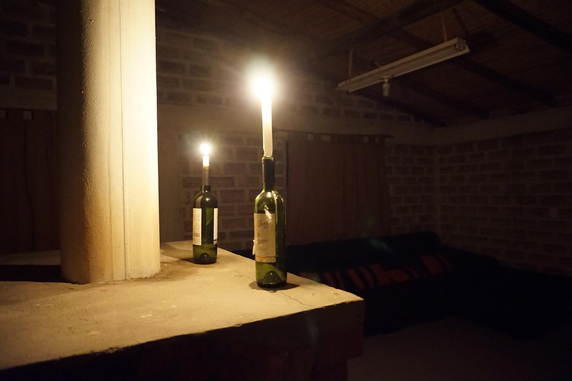 チリ ボリビア ウユニ旅行 2泊3日ツアー 暗闇と蝋燭